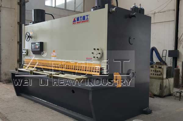 30x2500厚板剪板机