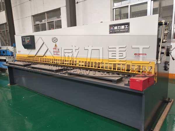 qc12y-4x4000剪板机图片