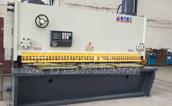 剪30个厚液压闸式剪板机